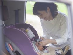 ベビーシートを嫌がる赤ちゃんにはどう対応したらいい?嫌がる原因と対処法を解説