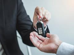 車の譲渡証明書とは?作成の目的や書き方、委任状の基礎知識を徹底解説