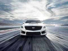 GM、限定4台のスーパースポーツセダン「CTS-V カーボンブラックパッケージ」