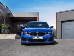 【BMW 3シリーズ】F30とG20の新旧モデルを徹底比較!サイズ、形、装備の違いを紹介