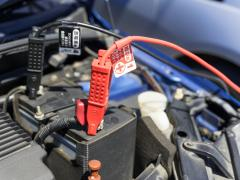 車の電圧が安定しない!バッテリーだけでなくオルタネーターの故障も原因かも!?