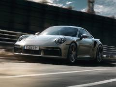 ポルシェ、新型「911 ターボ S」「911 ターボ S カブリオレ」の予約受注を開始