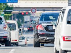 安全運転に最適な服装とは?服装が原因で違反になる場合や注意点解説