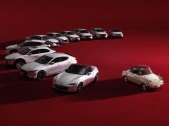 マツダ、登録乗用車全車種に「100周年特別記念車」を設定