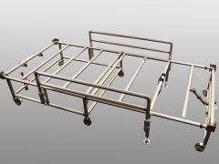 アイシンが医療現場向けの簡易ベッド台、簡易間仕切り壁の生産を開始