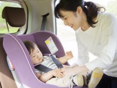 赤ちゃんと車での長距離旅行 気を付けたいことと必要な準備