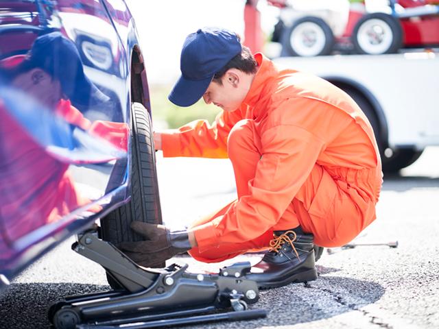 バーストしたタイヤは修理できる?