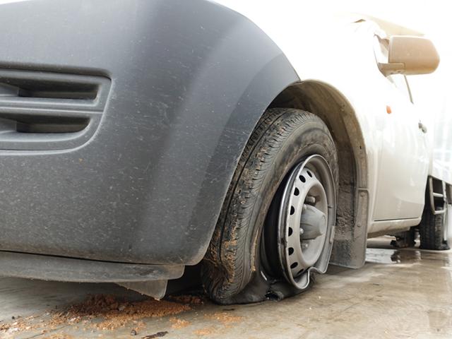 タイヤがバーストする原因