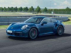ポルシェ、新型「911 ターボ」「911 ターボ カブリオレ」の予約受注を開始