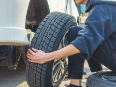 タイヤの処分はどうすればいい?処分方法から費用までのポイントを解説