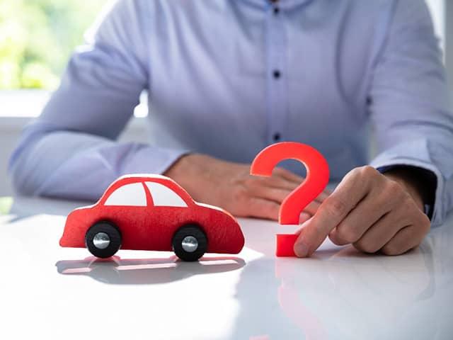 車検証の氏名や住所を変更する方法は?
