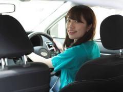 夏場は車内温度が70度超え!その危険性や温度上昇を防ぐ方法を解説