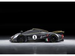 パガーニ 最高水準のパフォーマンスを発揮する新型「ウアイラ R」発表