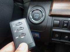 車のスマートキーって何?キーレスとの違いを比較!使い方と注意点