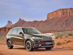 BMW X5(3代目/F15)の中古車選びで知っておきたい特徴とグレード構成
