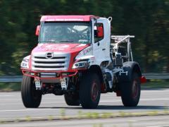 日野自動車 ダカール・ラリー2022に参戦 初のレース用ハイブリッドシステム搭載車を投入