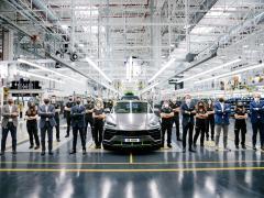 ランボルギーニ ウルス、15,000台の生産記録を達成 ベストセラーモデルのスーパーSUV