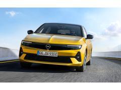 新型「アストラ」ドイツで世界初公開 6代目はPHEV導入 23年に電気自動車導入へ オペル