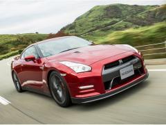 日産、「GT-R」をマイナーチェンジ 2015年モデルを発表