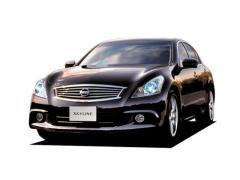 日産スカイライン特別仕様車の特徴とは。ノーマルスカイラインと何が違う