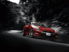 GT-R15年モデルTrack edition engineered by nismo登場