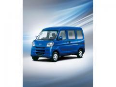 【スバル】「サンバーバン」特別仕様車が発売【価格・色】