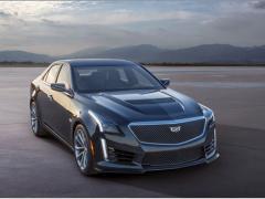 GM、デトロイトショーで新型「キャデラックCTS-V」を披露