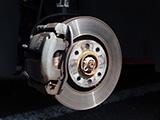 ブレーキキャリパーを塗装した場合、車検に通すことはできる?