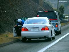 車検切れの運転がバレた場合、赤切符が切られるのか