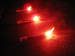 車検時に発炎筒の使用(有効)期限が切れていたら、車検は通らないのか