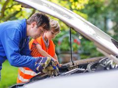 車のオイルで使用する化学合成油と鉱物油の違いとは