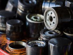 エンジンオイルの廃棄方法とは【新聞紙・固める・ガソリンスタンドなど】