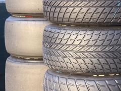 タイヤ交換で確認しておきたいトレッドパターンの種類と特徴