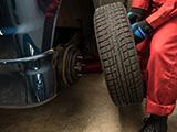 スタッドレスタイヤとノーマルタイヤに値段の違いはある?スタッドレスタイヤはどのくらいの料金?