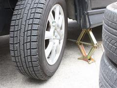 スタッドレスタイヤから夏タイヤへの履き替え・買い換えの時期はいつ?