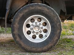 車のドライブシャフトの歪みや折れる原因と破損しないための注意点とは