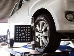 車をローダウンした際に起こるタイヤ偏摩耗の解消(アライメント調整)方法とは