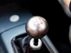 車のシフトノブの交換方法