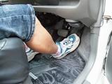 車のカーペットの張り替えはどこに依頼すればいいの?