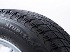 スタッドレスタイヤの空気圧は高めと低めのどちらが良い?