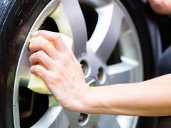 車のホイールに傷が付いた時の修理・補修方法