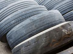 タイヤの廃棄方法とそれにかかる費用の目安とは