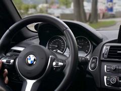 車のホイールバランスとハンドルのぶれ(振動)の関係性について