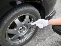 車のタイヤバランス調整とはどういうものか