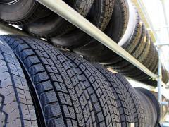タイヤに窒素を入れる効果やメリットとは