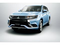 【三菱自動車】アウトランダー、アウトランダーPHEVがマイナーチェンジ2015【価格】