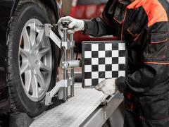 タイヤが八の字なのにはどんな意味がある?キャンバーをつける効果について