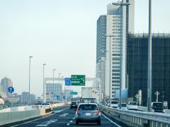 高速道路で特別転回(回転)する方法とは?