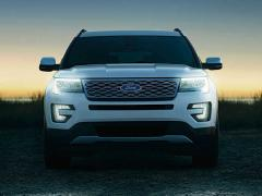 フォード、「エクスプローラー」の高性能モデル「タイタニアム」発表
