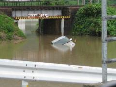 車が水没した時の対策と対処法
